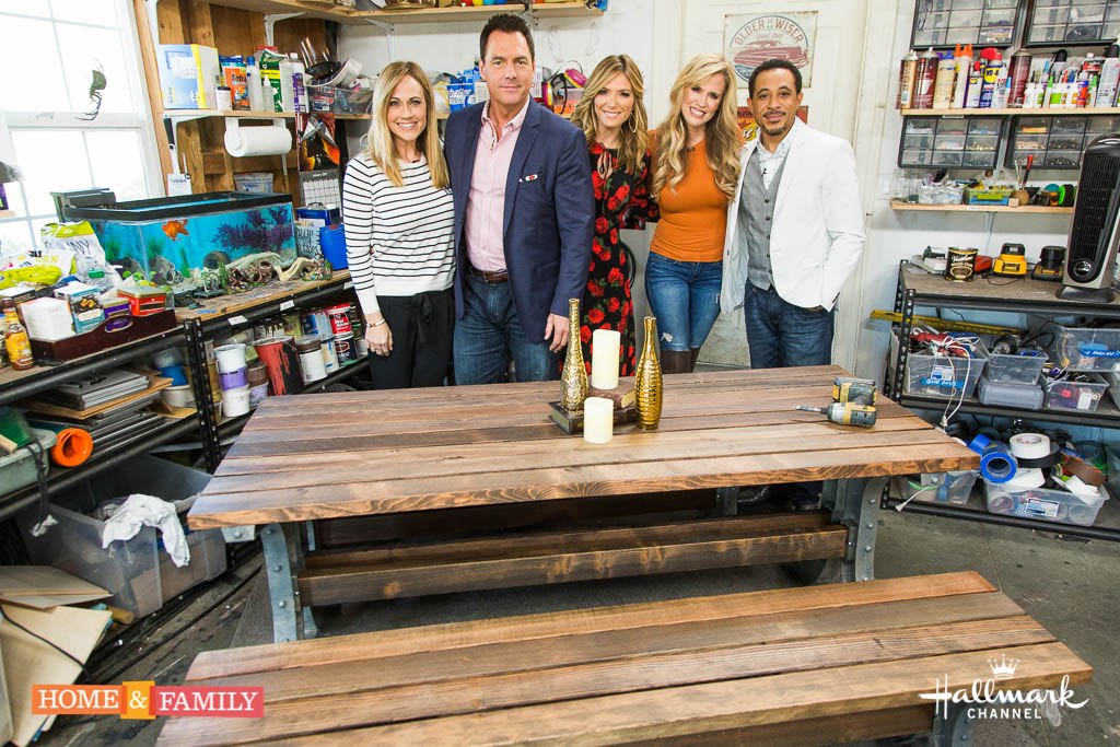 Mark Steines and Debbie Matenopoulos welcome guest host and Hallmark star Nikki DeLoach. Nikki cooks a delicious sweet potato casserole. Actress Sarah Michelle Gellar makes Valentine's Day food crafts. Nikki's fellow Mouseketeer, actor Dale Godboldo is here. Nikki's spiritual messenger Delia Tabuzo joins us. Mark and Matt Iseman have simple solutions for the snowbound Debbie cooks a French croque madame. Ken Wingard shows us DIY displays for children's art. Paige Hemmis builds a picnic table for the dining room. Save money with Hollywood Steals and Sandie Newton. Credit: © 2017 Crown Media United States, LLC | Photo: Alexx Henry Studios, LLC / jeremy lee