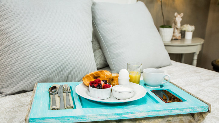 DIY Breakfast-in-Bed Beanbag Tray